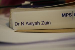 Tak cukup ruang nak letak nama penuh ayah saya... sian dia :)